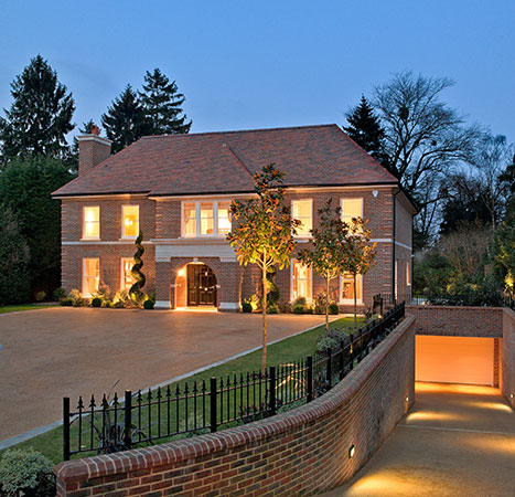 Luxury mansion for sale uk for Modern house uk for sale