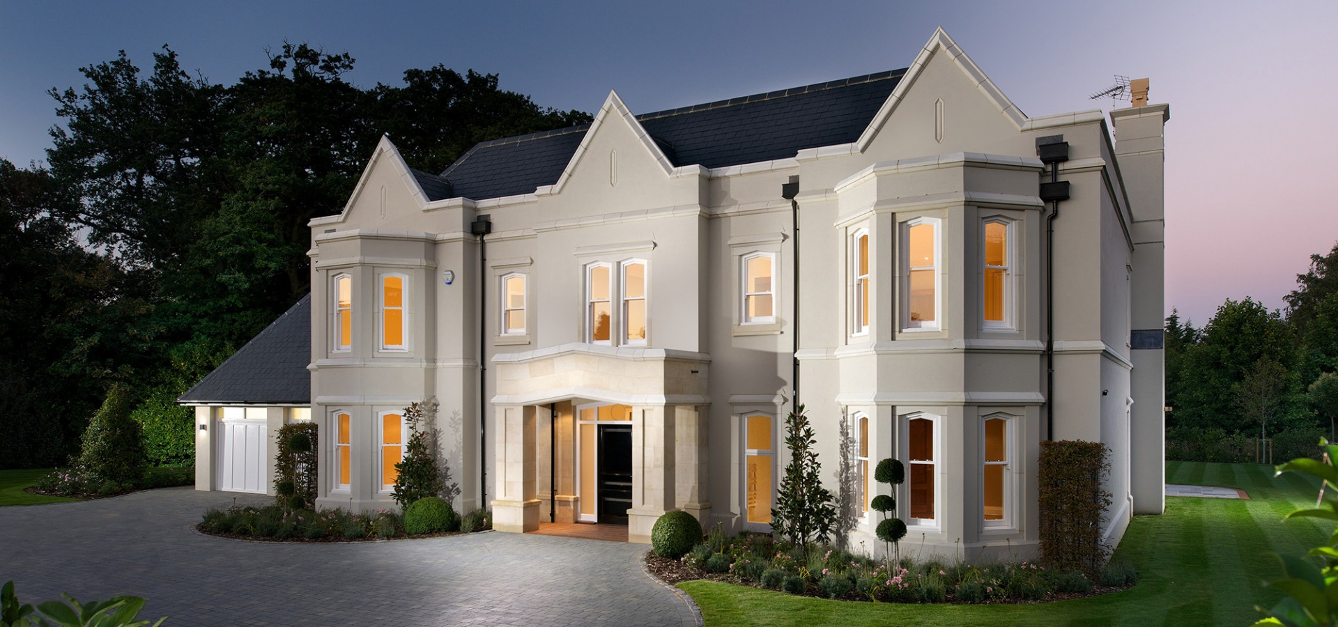 Buyers Roll Into Kingswood