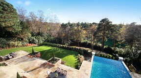 octagon-developments-falconwood-house-infinity-pool