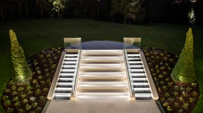 octagon-cavendish-house-glorious-garden-steps