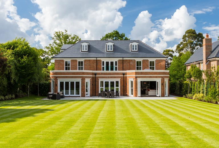 Luxury new properties for sale surrey bucks herts berks london for Cheap luxury homes for sale