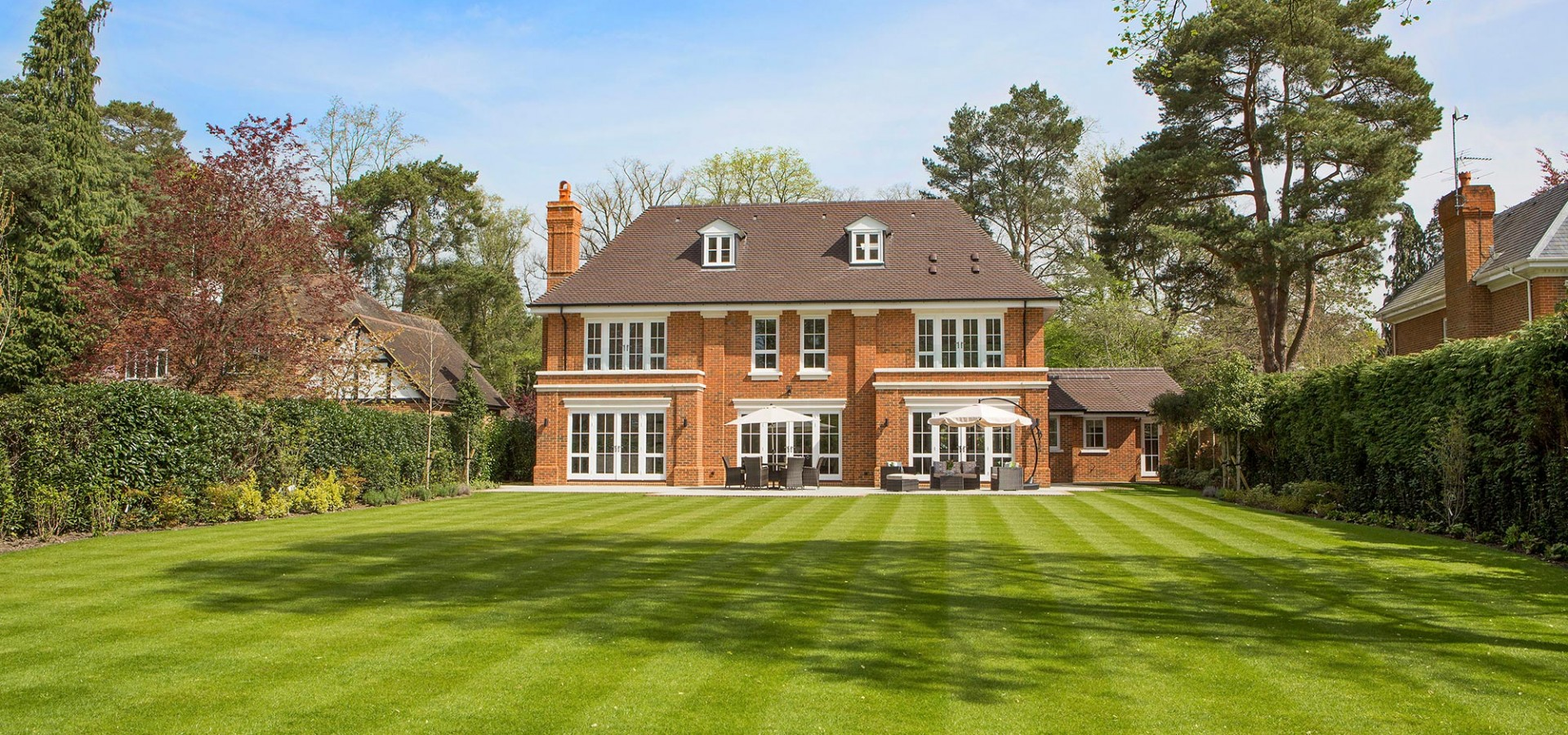 6 bed luxury property wentworth estate virginia water octagon