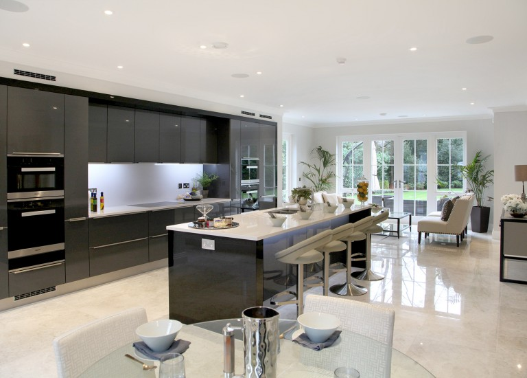 Earlswood House Open Plan Kitchen with Breakfast Bar Island