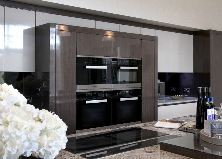 Kitchen Build-in Miele Appliances