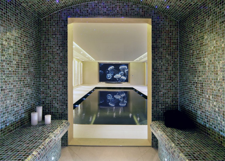 Leisure Suite Steam Room