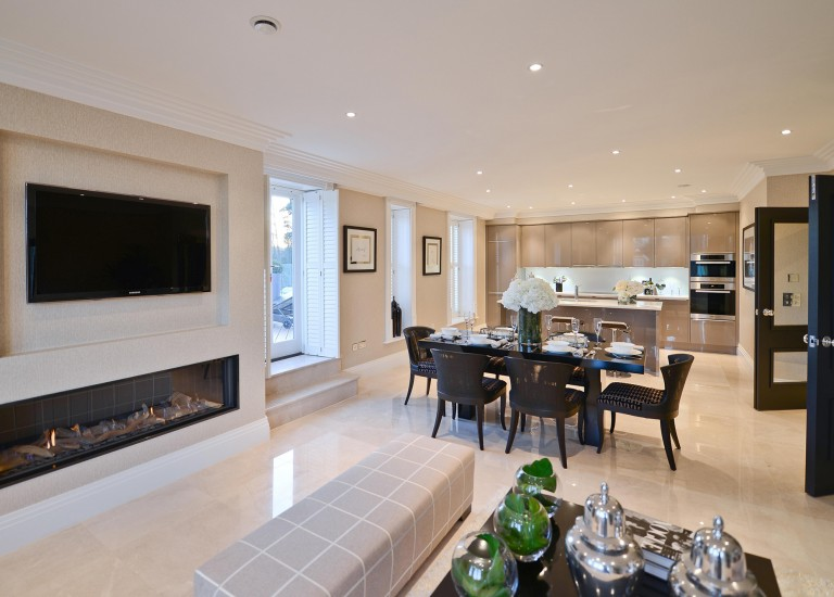 Open Plan Family Room, Dining Room and Kitchen