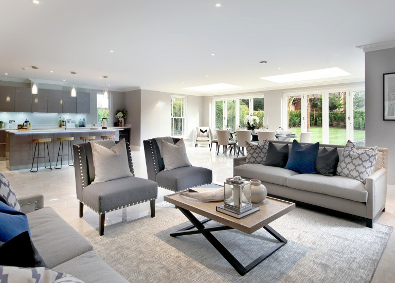 Spacious open plan family living area, dining room and kitchen
